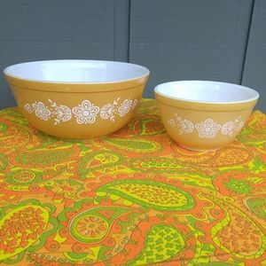 2 vintage 60s pyrex bowls butterfly gold 401 403